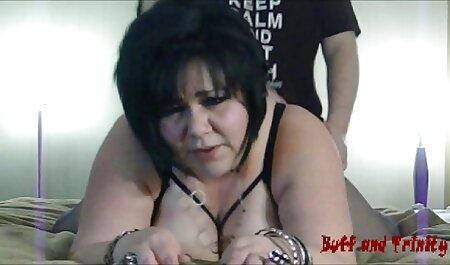 Elsa Jean a făcut cele mai sexi lenjerii intime sex cu un bărbat negru cu tatuaje.