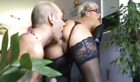 Molly Jane straluceste cu Tate lenjerie sexi pentru femei mari si fute o Haha în parc